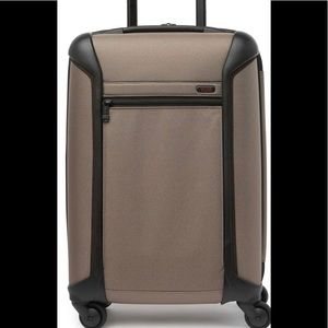 """Tumi Continental Carry-On Luggage 21.5"""" Brown"""